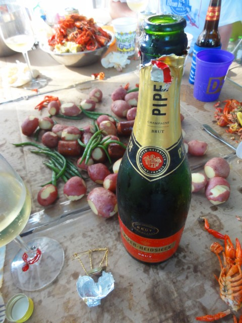 piper brut champagne and crawfish