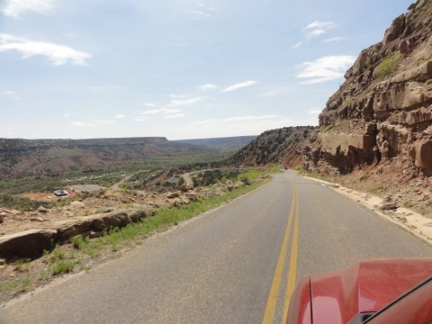 the drive down into palo duro canyon