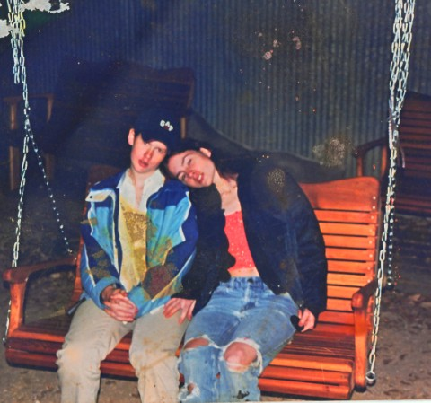 mystery pic found 1990's grunge era?