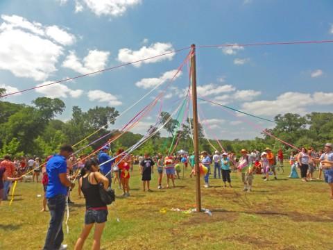 maypole at eeyore's 2012 may pole