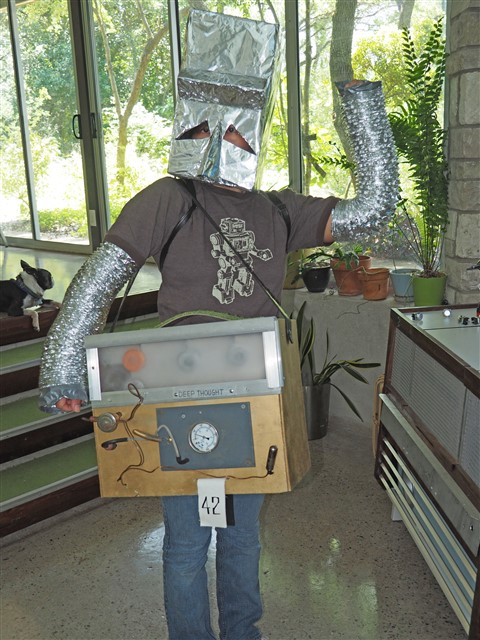 marvin the paranoid android and deep thought computer hitchhiker's guide to the galaxy costume