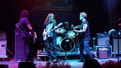 Carl Dufrene Bass, Brady Blade drums, Eric McFadden guitar, Anders Osborne vocals and guitar