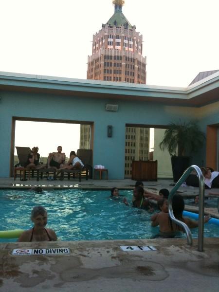 roof top pool at la contessa