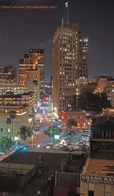 Hotel Contessa City View at night