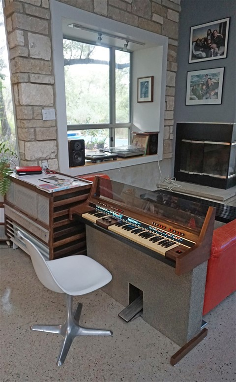 uhura burke chair console baldwin fun machine