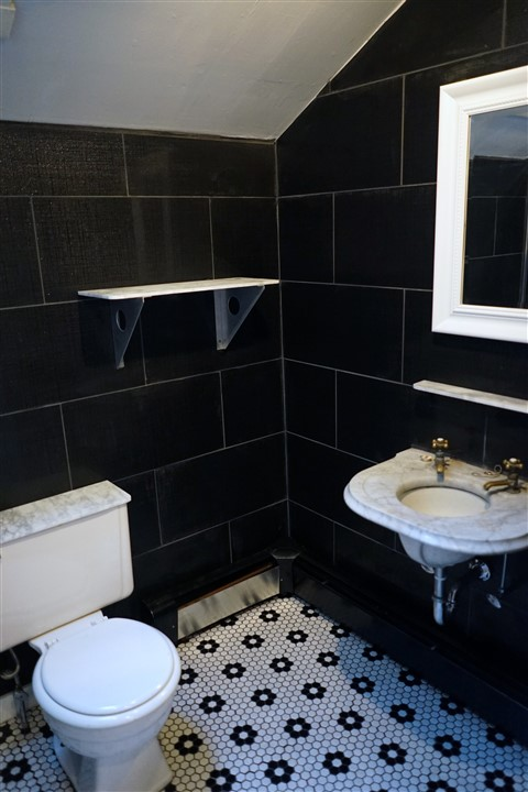 Austin ModHouse: Rush Job On The Bathroom Renovation In