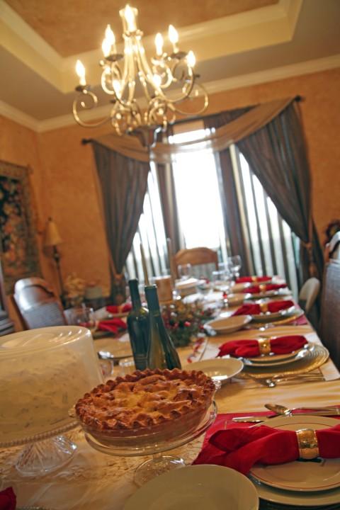 holiday christmas meal table setting