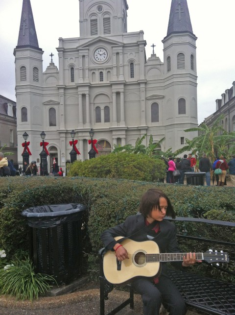 jackson square new orleans street musician