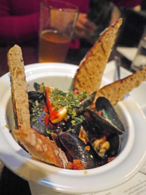 PEI mussells tapasitas happy hour austin tapas