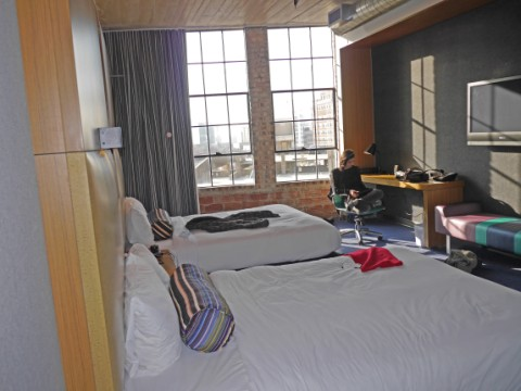 aloft dallas starwood double queen room accessible