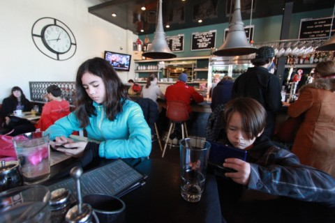 kids on pause at 24 diner