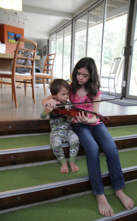 toddler with violin