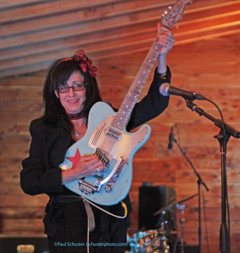 rosie flores scoot inn bier garten kut austin music map