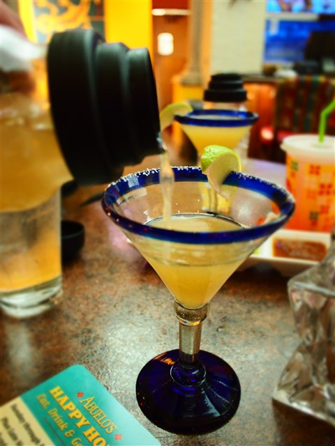 hand shaken top shelf margarita at abuelo's national margarita day 2015