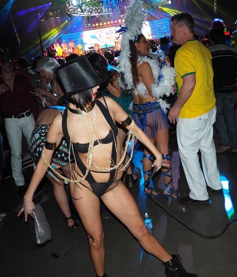 lion tamer carnaval brasileiro 2015