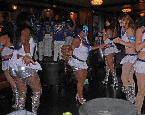 dancing machine samba school carnaval preparty