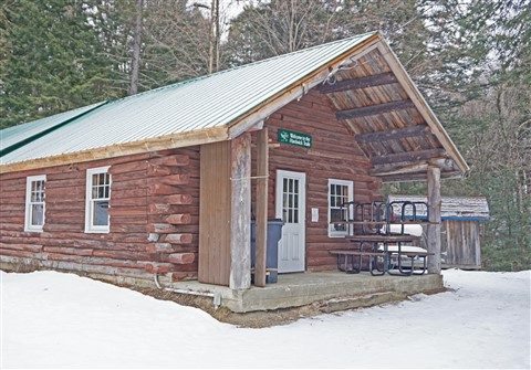vermont hardwick trail cabin