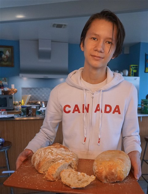 high school dude makes amazing bread at home