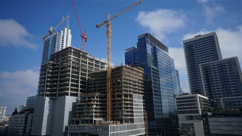 construction cranes of downtown austin