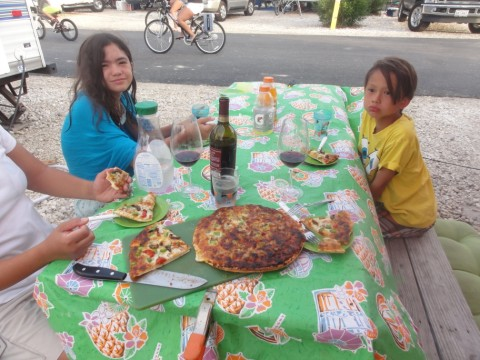 pizza at the overlander