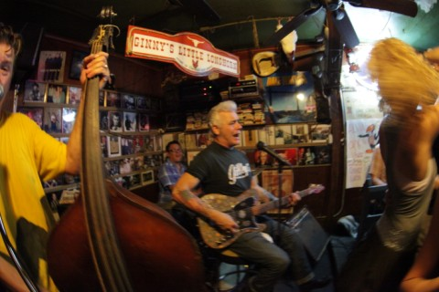 honky tonk dancing at ginny's little longhorn saloon with dale watson