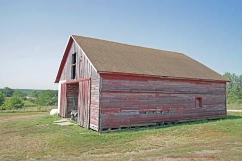 nebraska old red barn