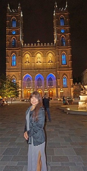 basilica notre dame at night montreal