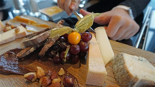 quebec cheese plate from bistro le sam