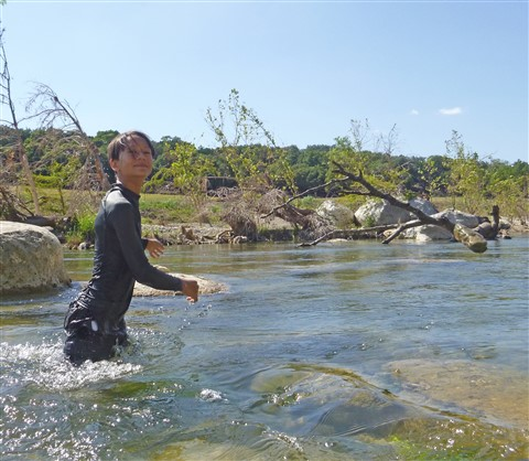 levitating rocks in the blanco river