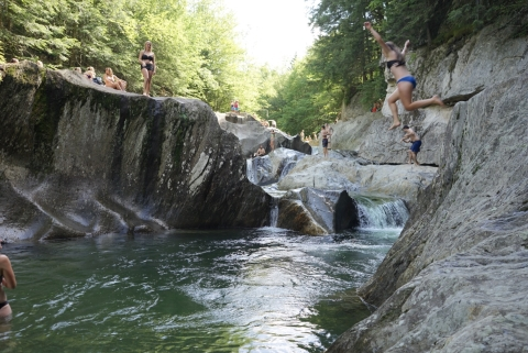 warren falls cliff jumpers vermont