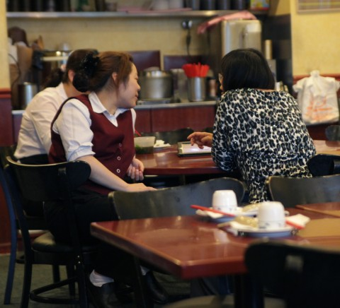 bob's noodle 66 rockville taiwanese food servers slacking off