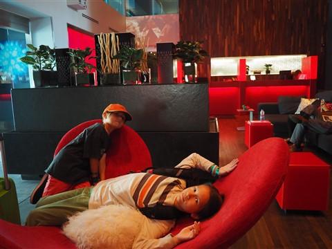 W hotel Montreal lobby wifi