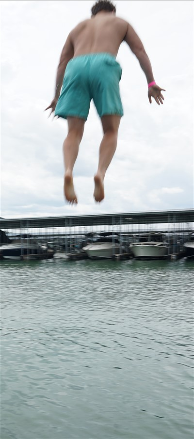lake travis houseboat jump