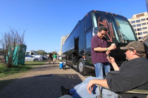 blade studios bus
