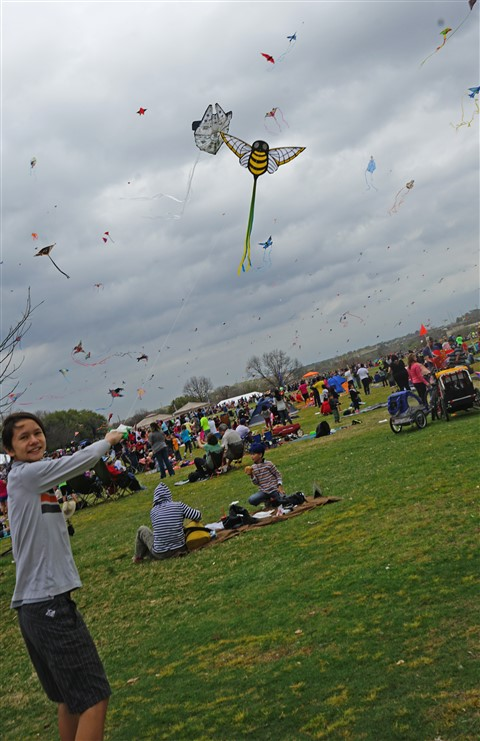 successful kite flight at zilker kite festival 2016