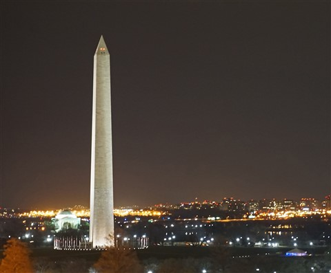 washington monument as seen from the POV bar