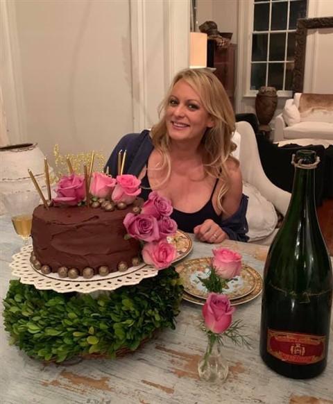 stormy daniels birthday cake