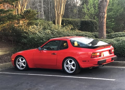 guards red porsche 951 944t