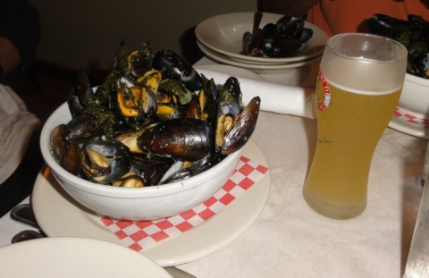 mussels at la frite san antonio moules