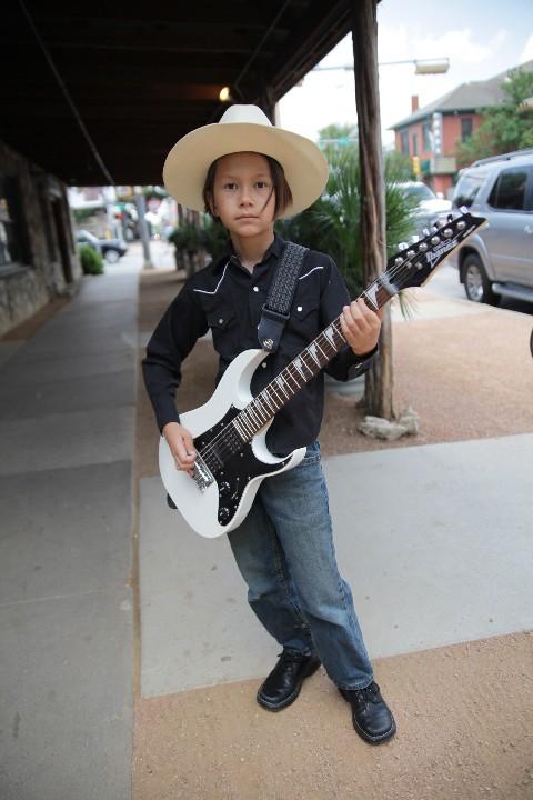 9 yo guitar artist at stubb's bbq