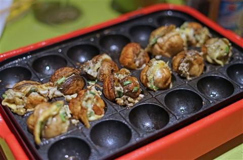 mushroom balls takoyaki device