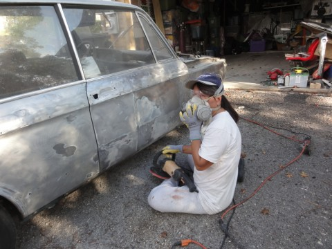stripping the paint from a vintage bmw 2002