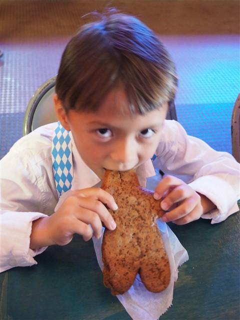 ginger bread man wurst fest new braunfels german