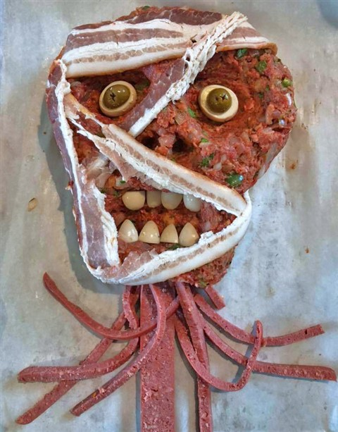 spooky halloween zombie head meatloaf