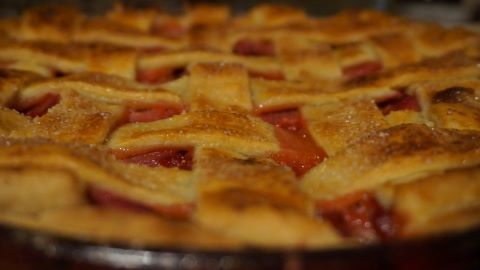 strawberry rhubarb pie home made