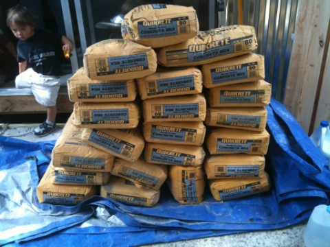 22 80lb bags of quickrete