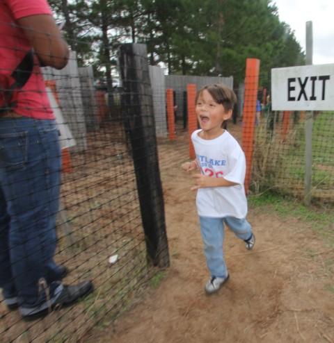 maze exit elgin tree farm eanes 2013