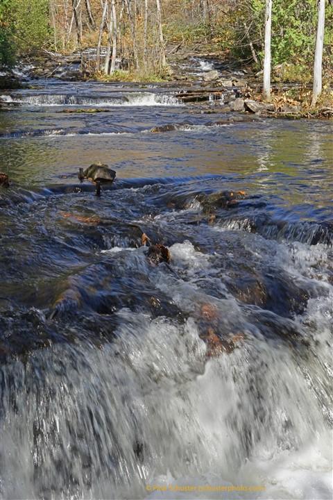 joe's brook nek vermont pond fall 2018