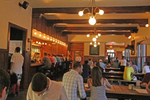 banger's asutin beer and sausage hall