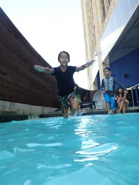 aloft dallas pool